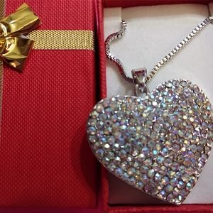 Nwt Betsey Johnson Crystal Heart Necklace